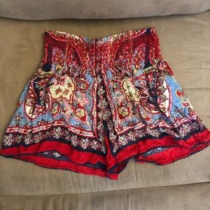 Pants - Flowy Printed Shorts